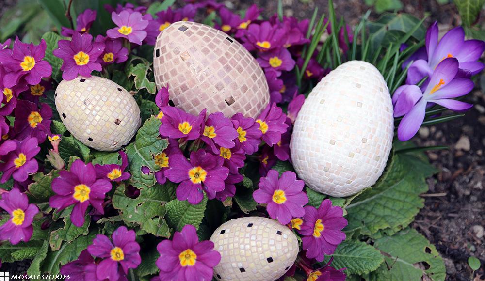 Ostereier aus Keramik Steinchen